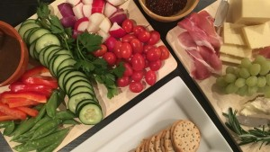 thanksgiving-veggie-and-cheeseboard-appetizer